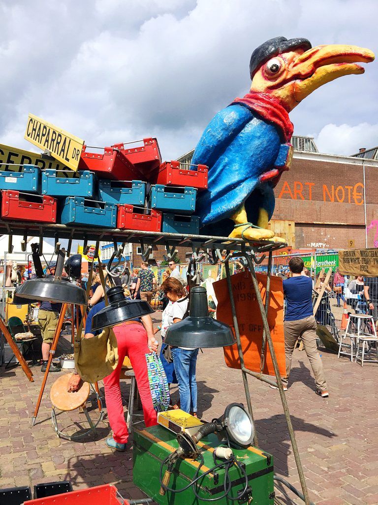 Ij-hallen - de grootste rommelmarkt in Amsterdam